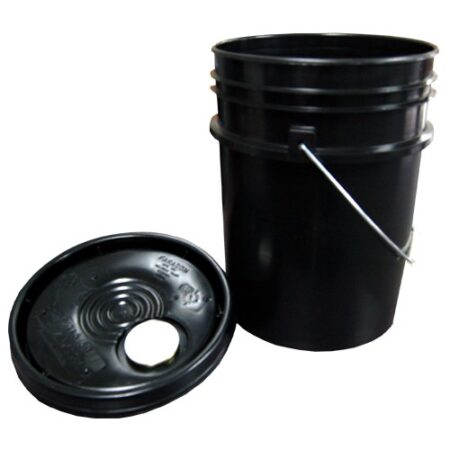 5 GALLON BLACK PLASTIC PAIL